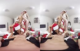 Orgie cu craciunitele porno in realitate virtuala
