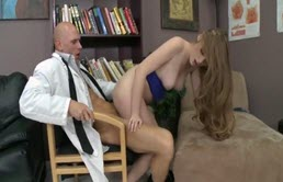 Blonda i-o suge psihologului Johnny Sins